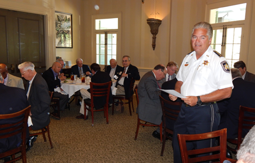 Sheriff Pohlmann speaking to Crime Commission board members at a luncheon.