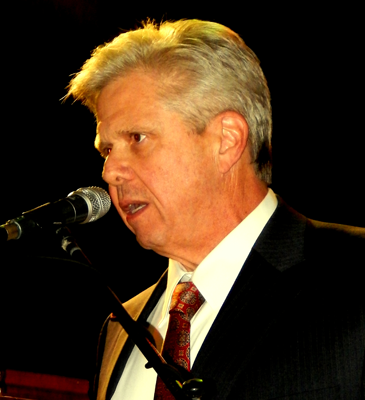 Rafael Goyeneche III, head of the Metropolitan Crime Commission in New Orleans, was guest speaker for the graduation.